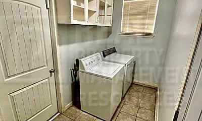 Bathroom, 7119 NW 36th St, 2