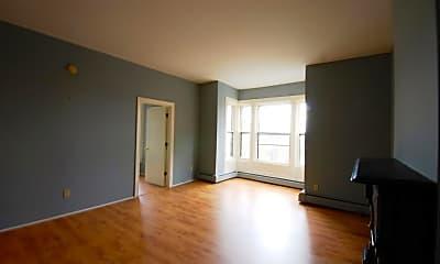 Living Room, 84 King St, 1