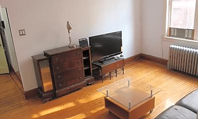 Living Room, 4054 Chestnut St, 1