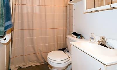 Bathroom, 1307 N Greenview Ave, 2