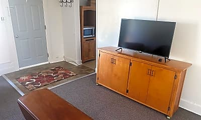 Kitchen, 1145 S Cedar St, 1