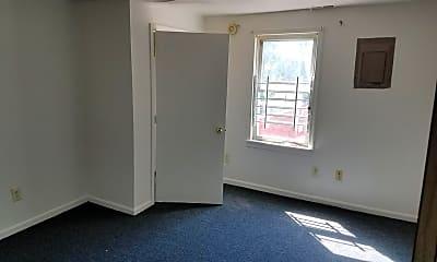 Living Room, 4101 Fernhill Ave, 1