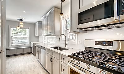 Kitchen, 241 N Lincoln Ave, 1