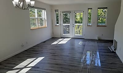 Patio / Deck, 709 23rd Ave S, 1
