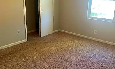 Bedroom, 6252 N Lee St, 2