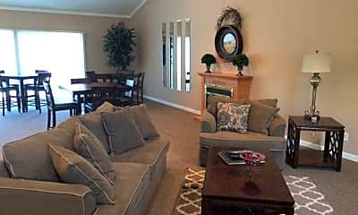 Living Room, Cottonwood Creek Apartments, 0