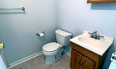 Bathroom, 11801 Rockville Pike 915, 2