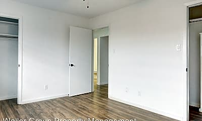 Bedroom, 200 E Mitcham St, 2