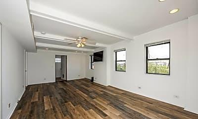 Living Room, 1327 W Erie St 4, 1