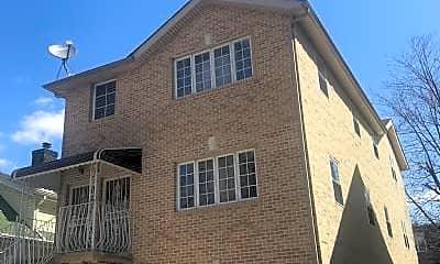 Building, 715 E 37th St, 2