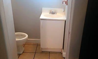 Bathroom, 30 Oxford St, 2