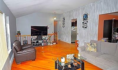 Living Room, 18 Alex Ln B, 1