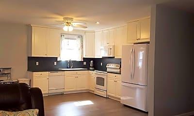 Kitchen, 1340 Big Bethel Rd, 1