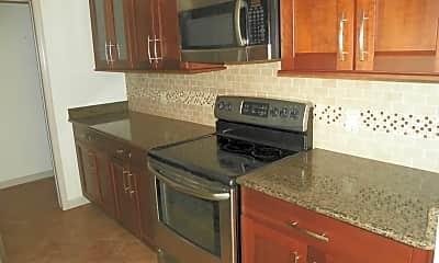 Kitchen, 4707 Englewood Dr, 1