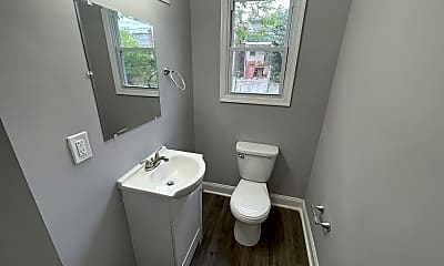 Bathroom, 1642 N Bentalou st, 1