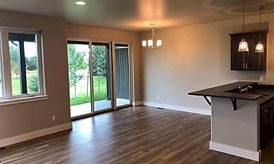 Living Room, 3083 Warbler Way, 0
