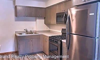 Kitchen, 487 Desnoyer Ave, 1