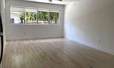 Living Room, 942 Michigan Ave 5, 1
