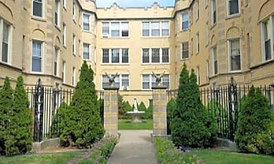 Building, 2022 W Berwyn Ave, 2
