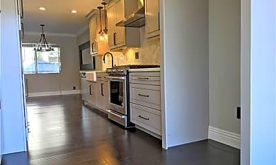 Kitchen, 2200 Canyon Dr, 1