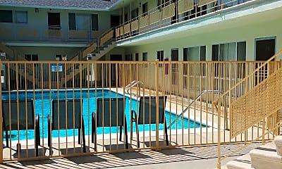 Woodruff Apartments, 2