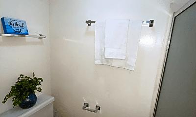 Bathroom, 5858 Pacific Coast Hwy, 2