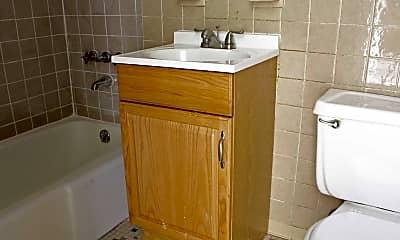 Bathroom, 16 Niles Street, 2
