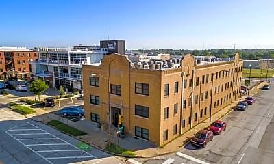 Building, 625 S Elgin Ave, 1