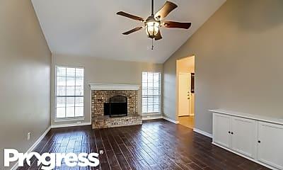 Living Room, 123 Woodcreek Dr, 1