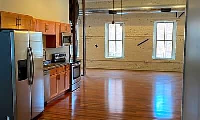 Kitchen, 243 Bleecker St, 1