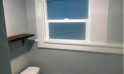 Bathroom, 402 S 6th St E, 2