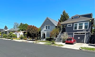 Building, 2439 Roosevelt Ave, 2