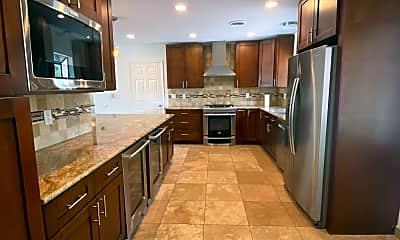 Kitchen, 4420 E Vermont Ave N, 1