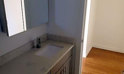 Bathroom, 224 23rd Ave E, 2