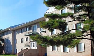 Wexford Apartments, 0