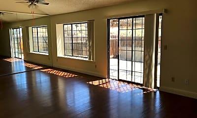 Living Room, 4251 Pheasant Dr, 1