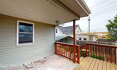 Patio / Deck, 630 N Nesmith Ave, 1
