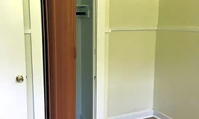 Bedroom, 1558 Elmwood Ave, 1