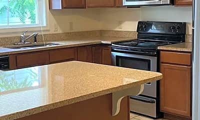 Kitchen, 270 W Bruce St, 1
