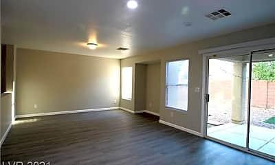 Living Room, 8657 Palomino Ranch St, 1
