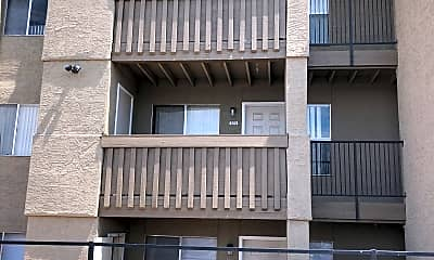 Finisterra Apartments, 2