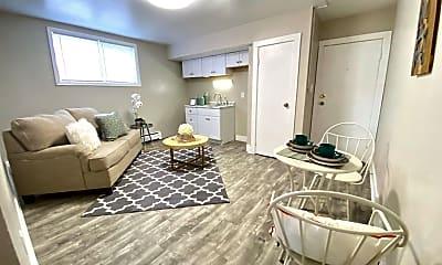 Living Room, 1124 E Seneca Ave, 1