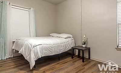 Bedroom, 2425 Cromwell Cr, 1