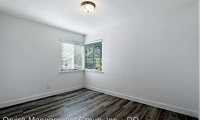 Bedroom, 140 Arch St, 2