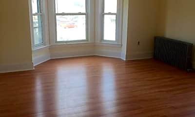 Living Room, 10 Maple St, 1