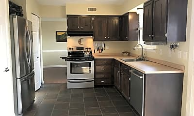 Kitchen, 8 Dover Ct, 1