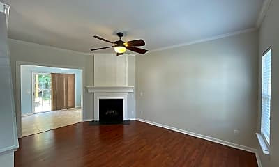 Living Room, 10016 Highlands Crossing Dr, 1