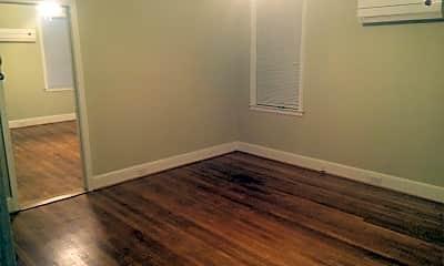 Bedroom, 611 Queen St, 1