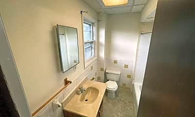 Bathroom, 1927 Wabash Ave, 2
