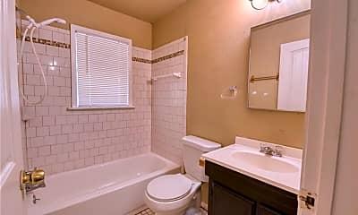 Bathroom, 1909 N Cross Ave, 2